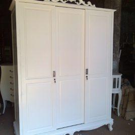 Jual Lemari Pakaian 3 Pintu Klasik Putih Murah