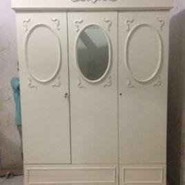 Lemari Pakaian Klasik Minimalis Duco 3 pintu