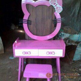 Meja Rias Hello Kitty