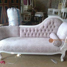 Sofa Klasik Duco Putih, jual sofa murah, sofa jepara, sofa klasik ukir, beli Sofa Klasik Duco Putih, harga Sofa Klasik Duco Putih, mebel ukir jati, mebel jepara, furniture jepara, permana mebel jepara, furniture sofa klasik, sofa ukir,